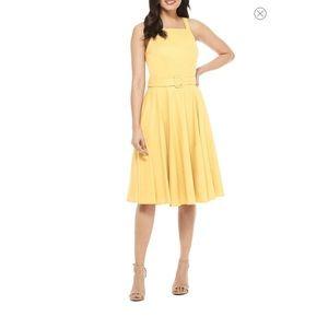 Gal Meets Glam Ruth Square Neck Linen Blend Dress